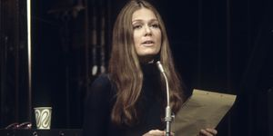 Feminist Activist Gloria Steinem closing gender pay gap: prohibiting employers to ask for salary history