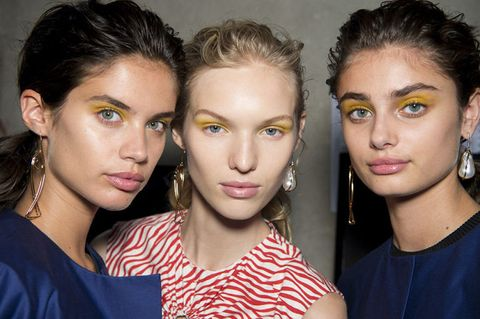 What Colour Eyeshadow Should You Be Wearing To Suit Your Eye Colour?