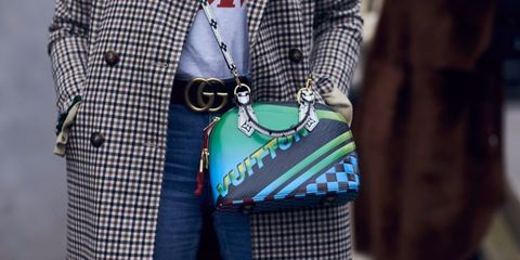 Blue, Sleeve, Pattern, Textile, Bag, Collar, Style, Fashion accessory, Denim, Street fashion,
