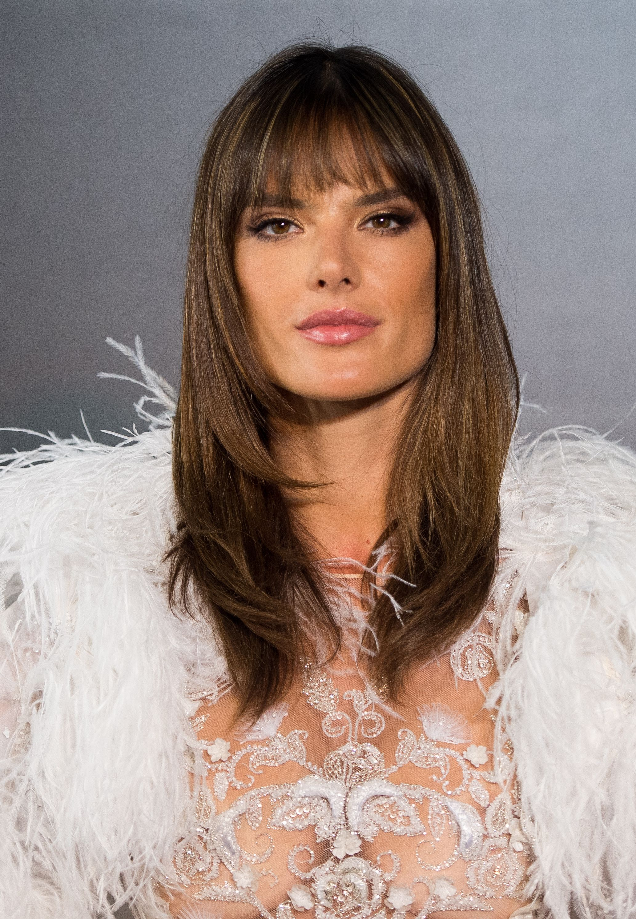 Best Fringe Hairstyles For 2018 How To Pull Off A Fringe Haircut