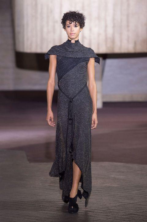 Roland Mouret AW17 London Fashion Week