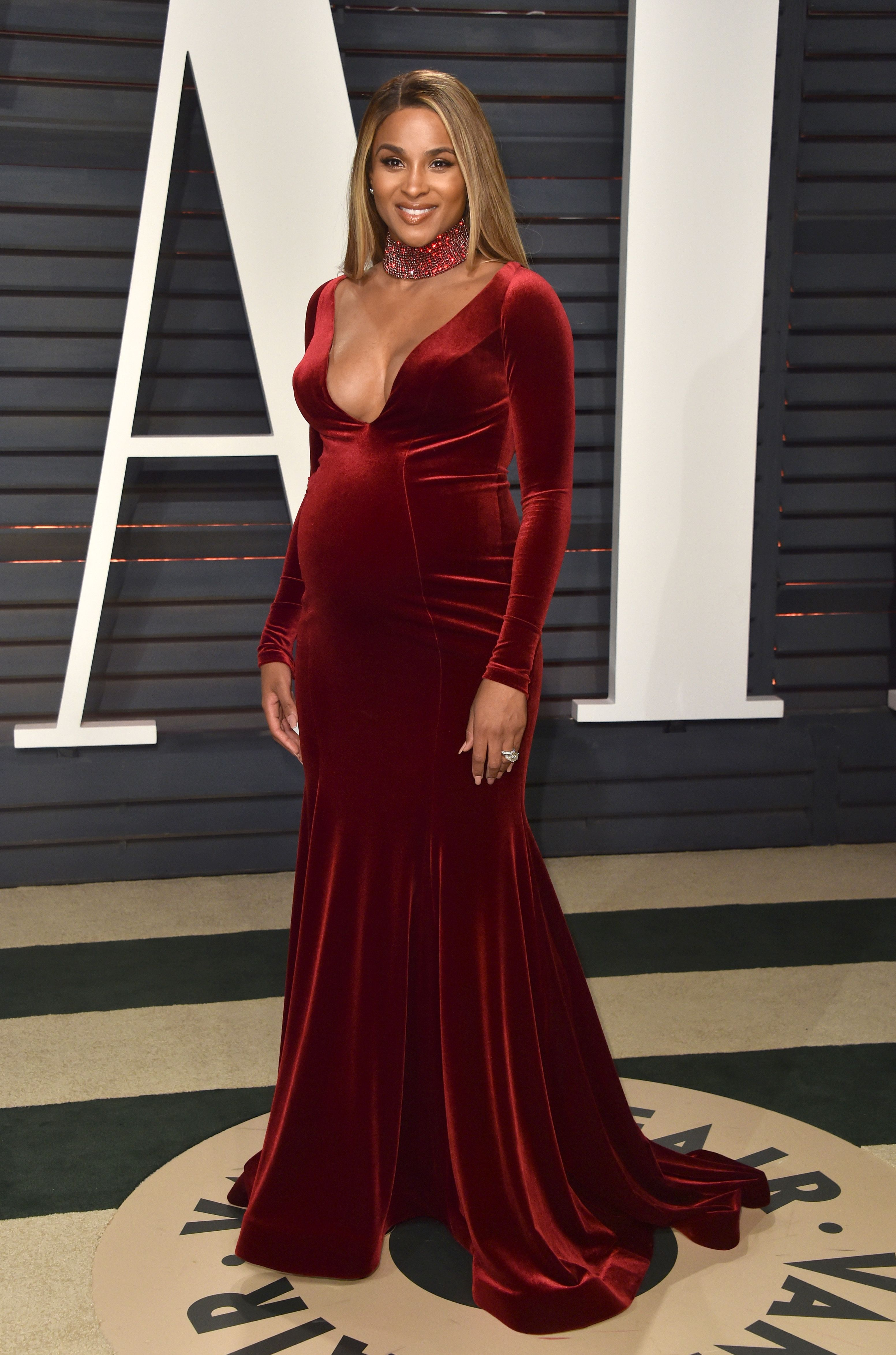 Stylish Pregnant Celebrities: Maternity Fashion On The Red Carpet