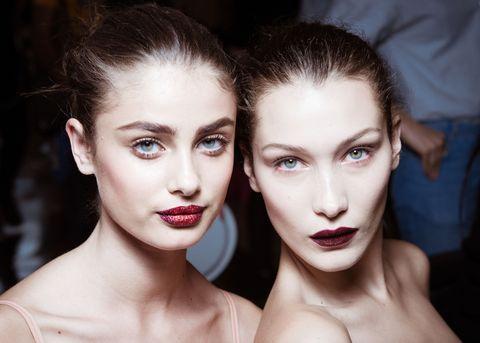 Bella Hadid and Taylor Hill vampy make-up: full contour