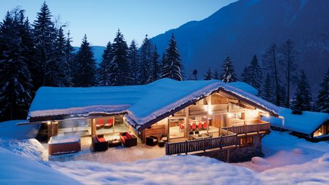 Where To Book A Skiing Holiday: 5 Places To Hit The Slopes Before The Season Ends