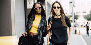 Models with peace sign | ELLE UK