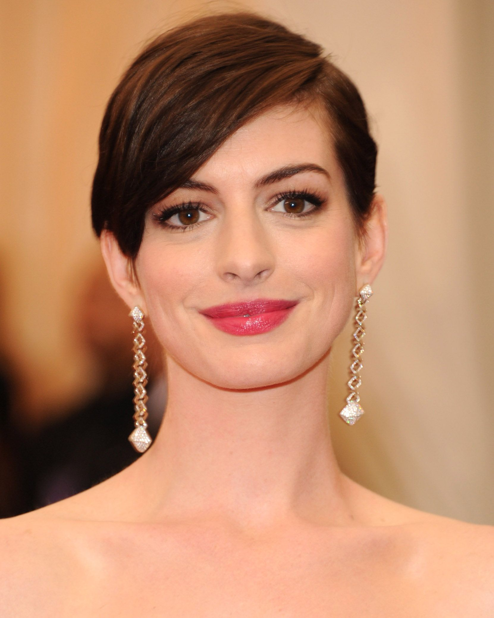 32 Best Short Hair Styles Bobs