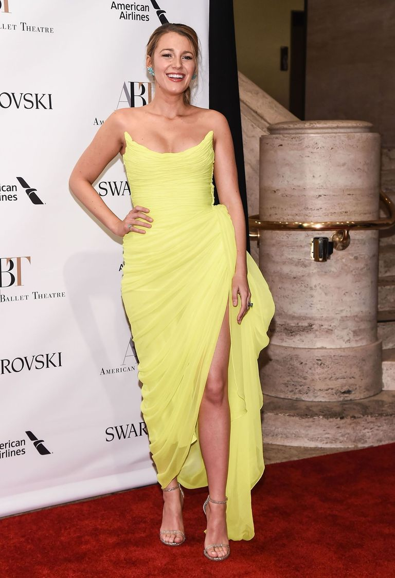 Blake Lively Brings the Sunshine In Neon Yellow Oscar De La Renta ...