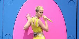 Katy Perry Dancing 2017