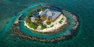 East Sister rock island - private island to rent