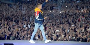 Justin Bieber performs on stage during the One Love Manchester Benefit Concert in Manchester | ELLE UK