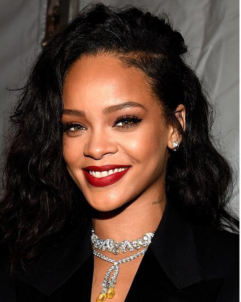 Rihanna S Hair Evolution Every One Of Rihanna S Technicolour Hair Styles