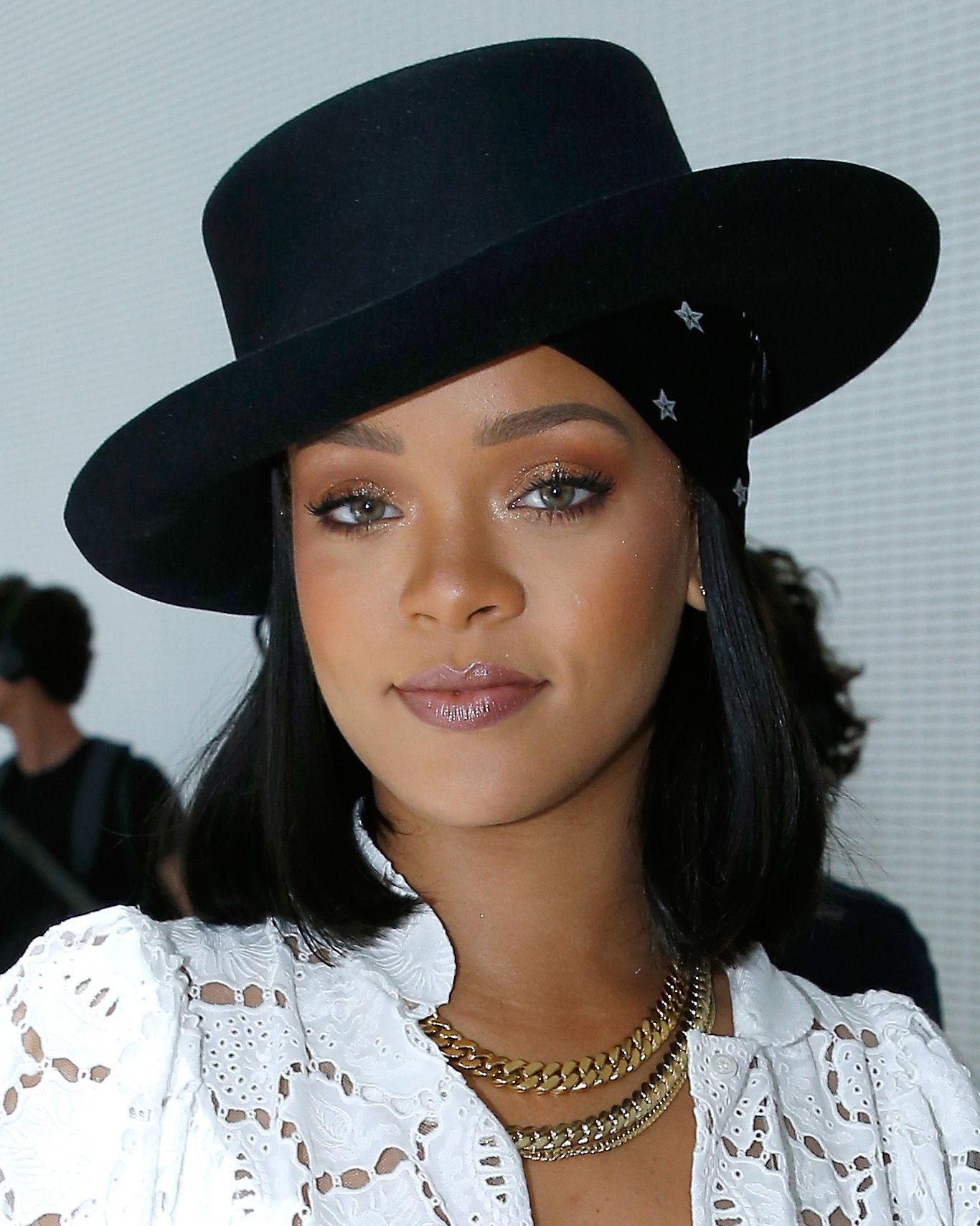 Rihanna S Hair Evolution Every One Of Rihanna S Technicolour Hair