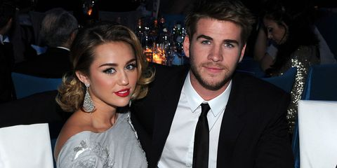 Miley Cyrus Pens Adorable Message To Liam Hemsworth With The Help Of Couple S Dog