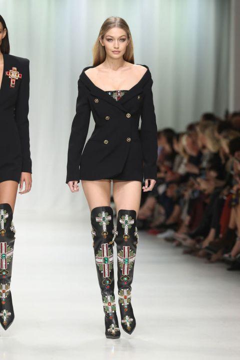 Versace SS18 runway show in Milan | ELLE UK
