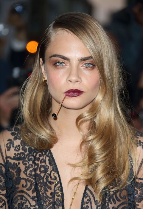 ea13a3a1e22 Cara Delevingne Hair - Every One Of Cara Delevingne s Hair Styles