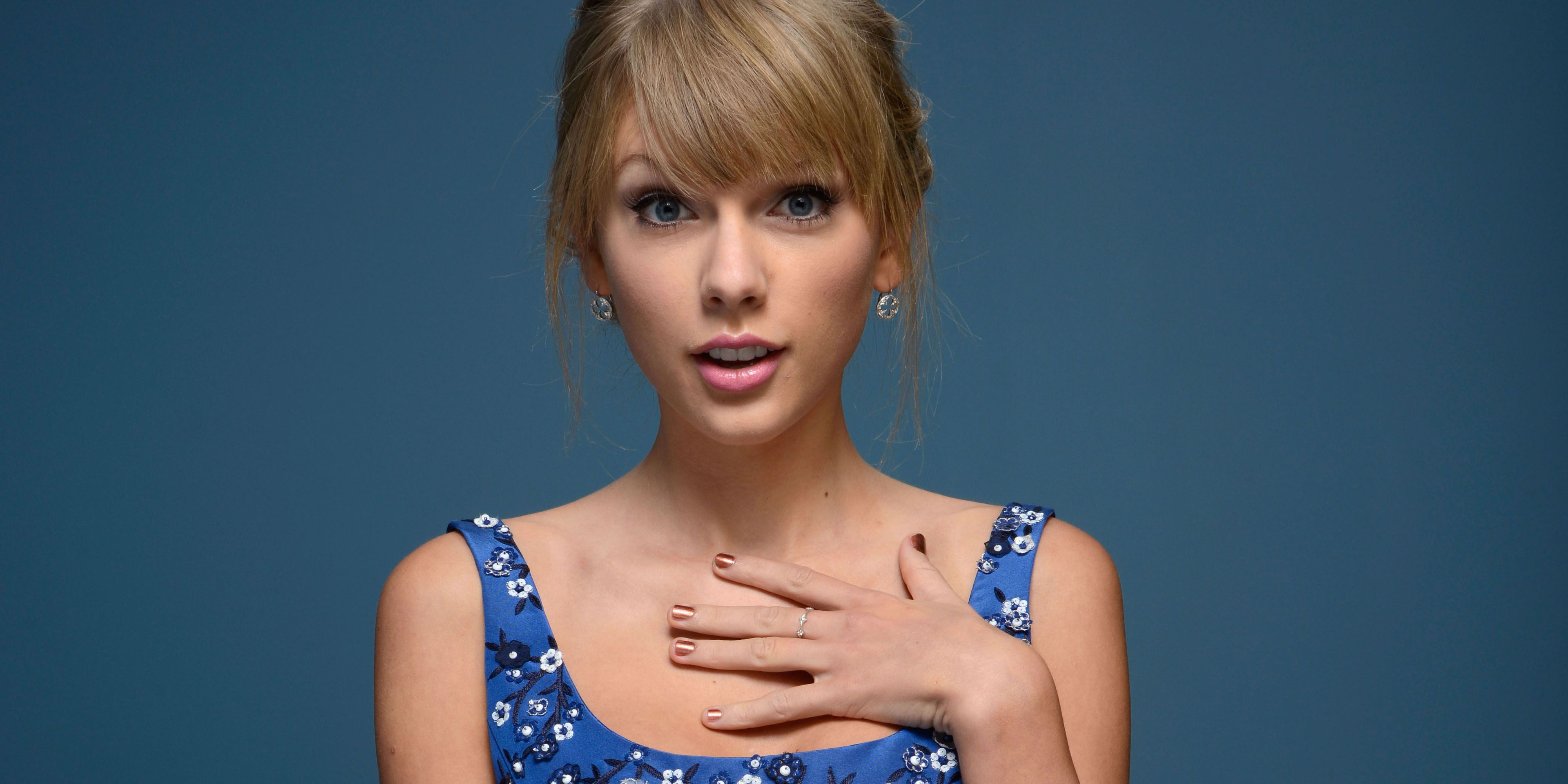 Naked pics of taylor swift pic 2