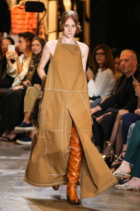 Fashion model, Fashion, Runway, Fashion show, Clothing, Event, Haute couture, Dress, Public event, Fashion design,