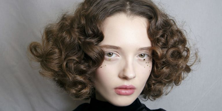 10 Ways To Get Curly Hair Without Heat, Hair Straighteners