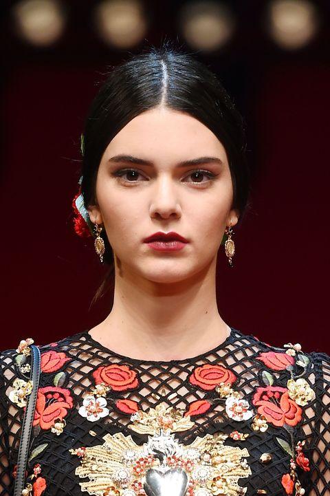 Hair, Fashion, Fashion model, Eyebrow, Lip, Beauty, Hairstyle, Haute couture, Runway, Jewellery,