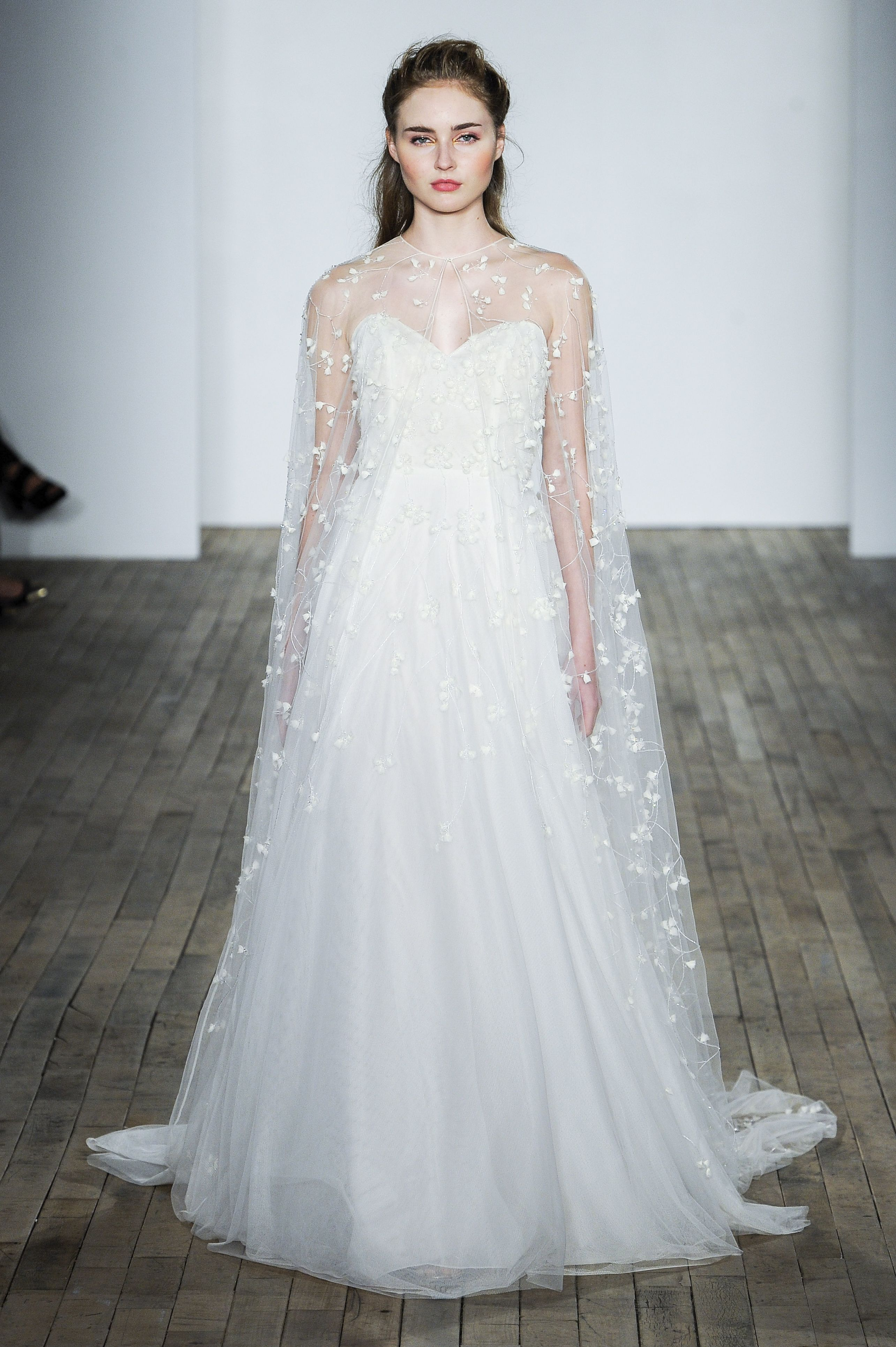 19 Dreamy Haute Couture Wedding Dresses Meghan Markle Could Wear On ...
