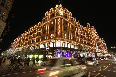 Landmark, Metropolis, Night, Metropolitan area, Architecture, Building, City, Urban area, Light, Lighting,