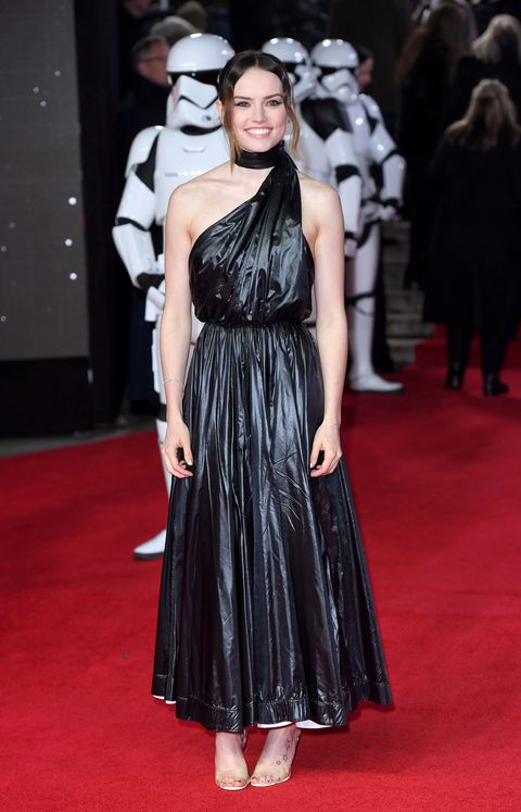 Daisy Ridley attends the European Premiere of 'Star Wars: The Last Jedi' at Royal Albert Hall on December 12, 2017 in London, England | ELLE UK