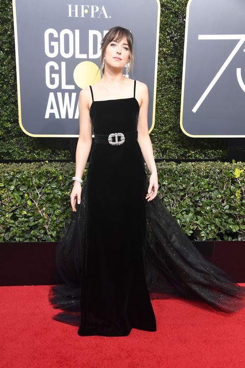 7f965a459c Dakota johnson wore gucci to the golden globes