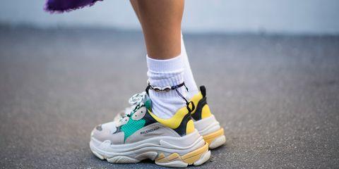 Footwear, Human leg, Shoe, Sportswear, Athletic shoe, White, Carmine, Sneakers, Colorfulness, Grey,
