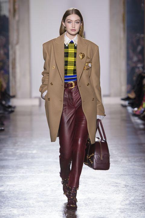 Gigi hadid walks milan fashion