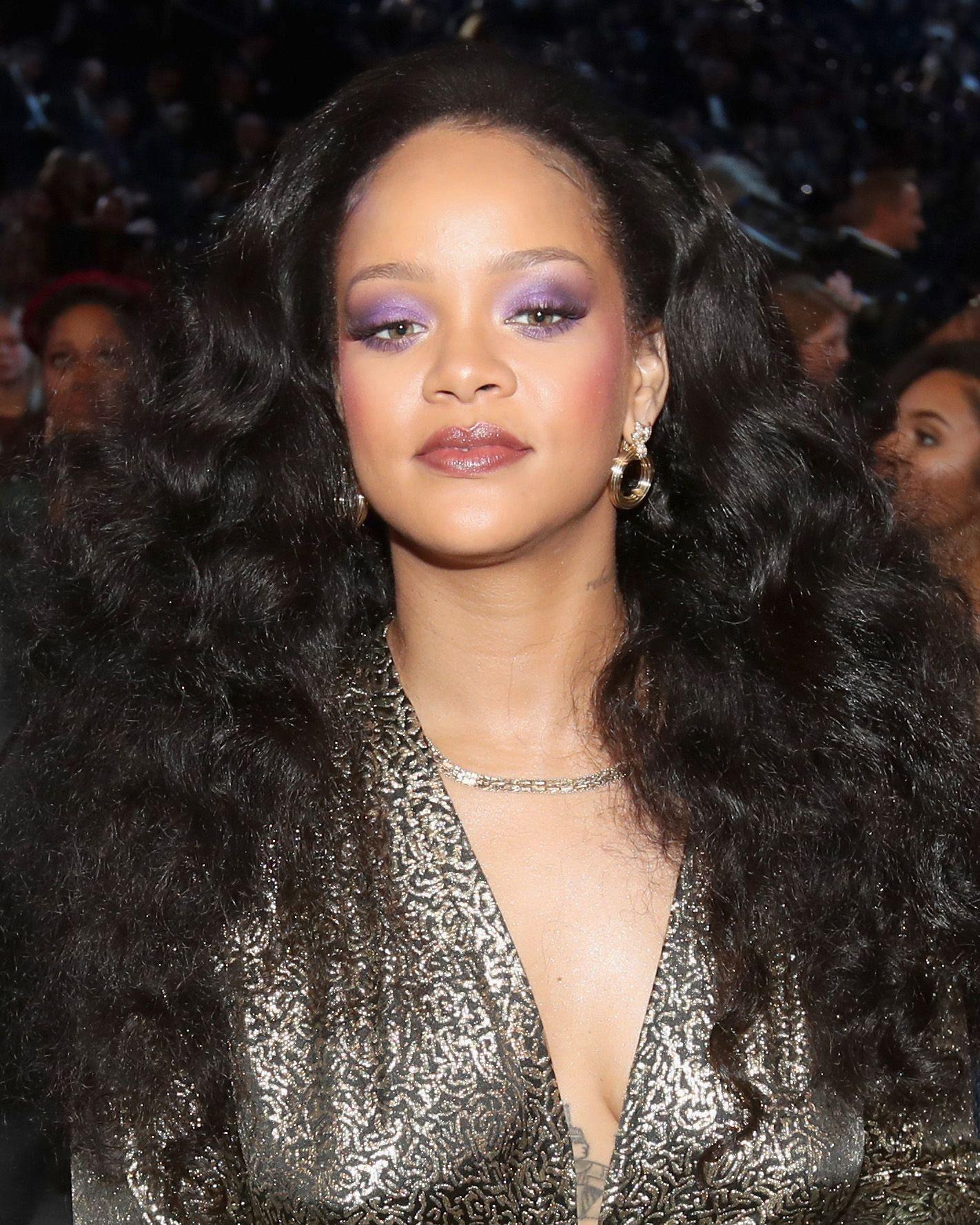 Rihannas Hair Evolution Every One Of Rihannas Technicolour Hair