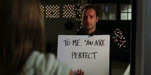Deze-Love-Actually-theorie-plaatst-de-film-in-een-HEEL-ander-perspectief