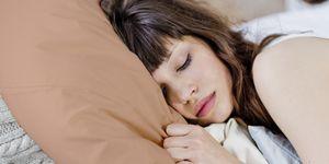 Waarom-je-voortaan-op-een-koperen-!-kussen-wil-slapen