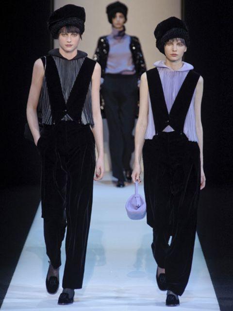 Sleeve, Trousers, Shoulder, Hat, Fashion show, Waist, Style, Fashion model, Headgear, Fashion,