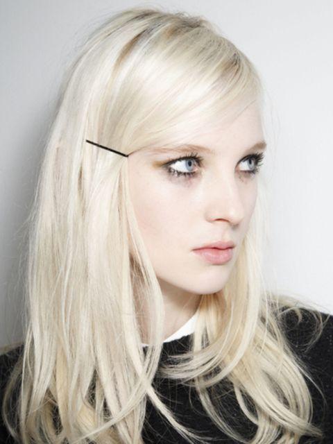 Lip, Hairstyle, Chin, Eyebrow, Eyelash, Style, Jaw, Long hair, Beauty, Blond,
