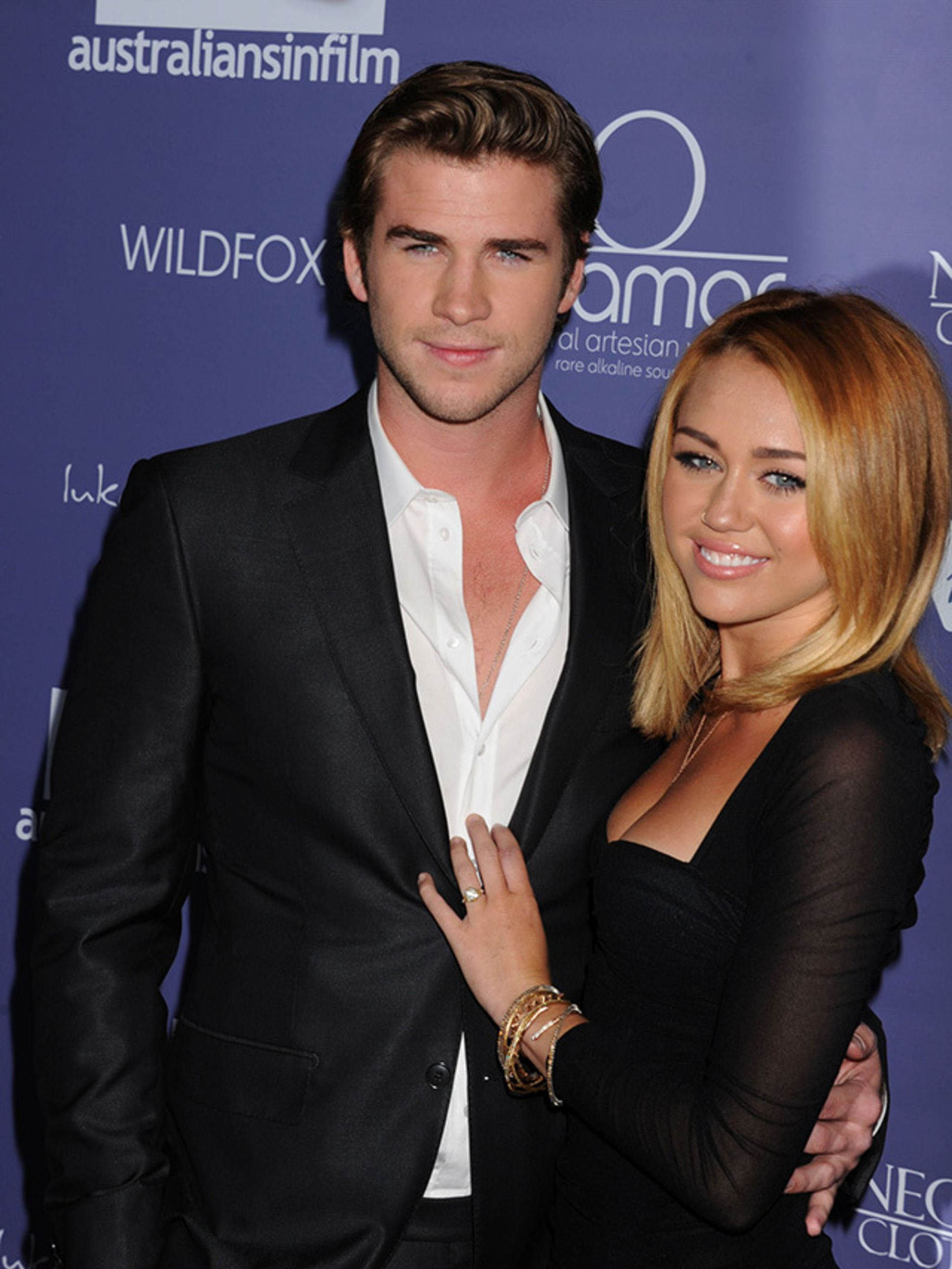 Liam Hemsworth dating geschiedenis