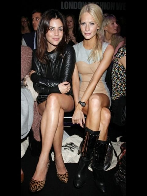 Clothing, Leg, Eye, Human leg, Outerwear, Style, Thigh, Fashion accessory, Fashion, Beauty,