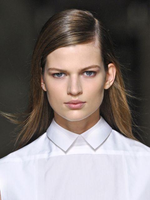 Hair, Ear, Lip, Cheek, Hairstyle, Dress shirt, Collar, Sleeve, Chin, Forehead,
