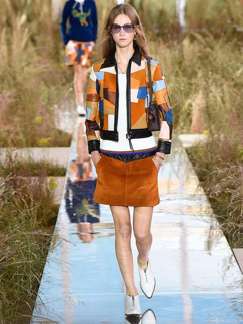 Eyewear, Style, Bag, Sunglasses, High-visibility clothing, Street fashion, Fashion, Electric blue, Goggles, Reflection,