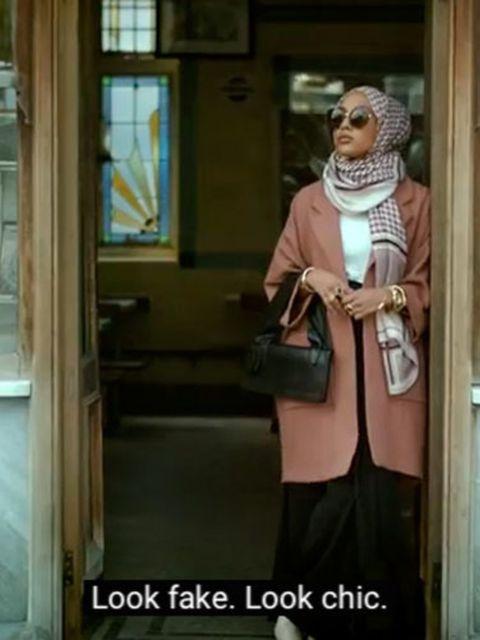 Zien-H-M-heeft-voor-het-eerst-een-moslimmodel-met-een-hoofddoek-in-hun-campagne
