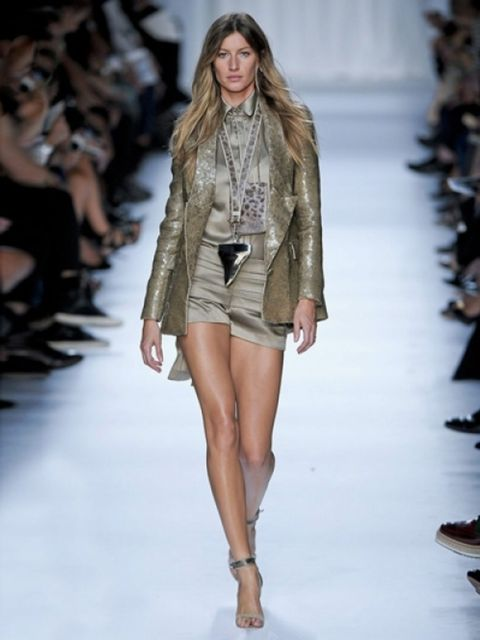 Gisele-Buendchen-voor-Givenchy