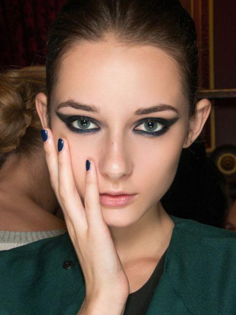 Head, Finger, Lip, Brown, Hairstyle, Eye, Skin, Forehead, Eyelash, Eyebrow,