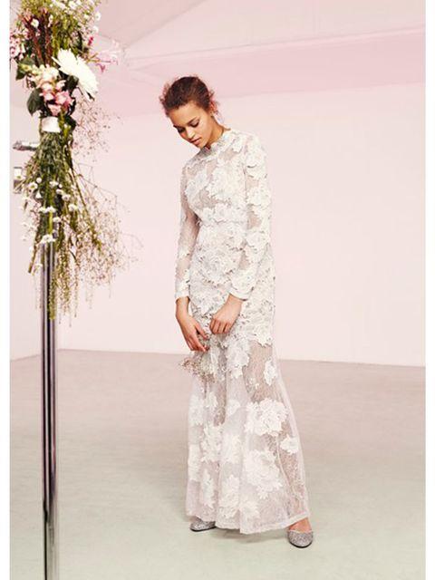 Sleeve, Shoulder, Textile, Photograph, Dress, Standing, Petal, Formal wear, Pattern, One-piece garment,