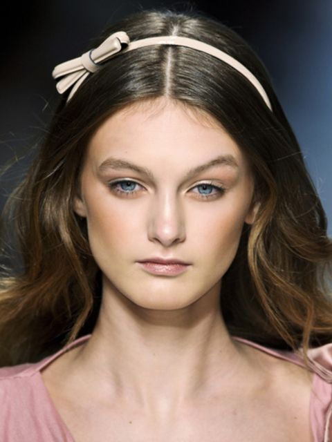 Mouth, Lip, Hairstyle, Eye, Skin, Chin, Forehead, Eyebrow, Eyelash, Style,