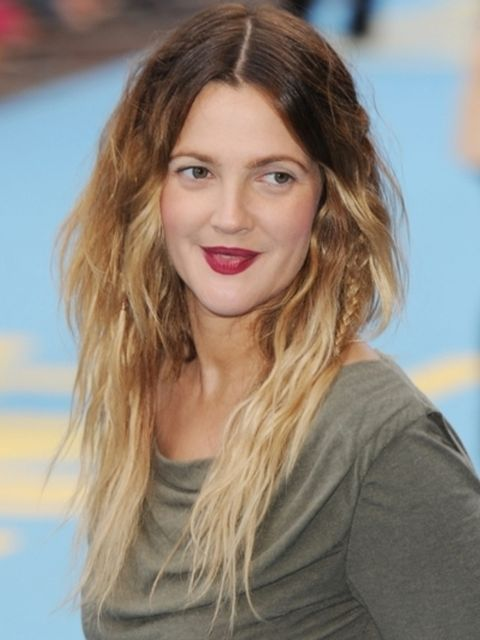 Hair, Nose, Lip, Mouth, Hairstyle, Chin, Shoulder, Eyebrow, Facial expression, Eyelash,