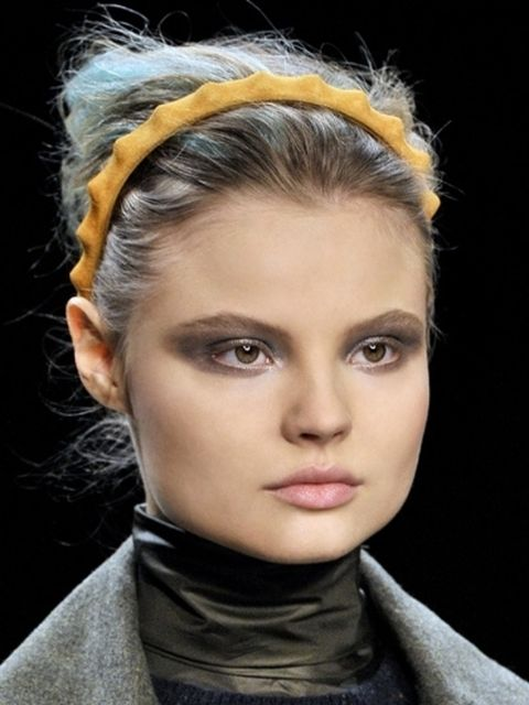 Head, Lip, Hairstyle, Eye, Chin, Forehead, Eyebrow, Style, Eyelash, Fashion,