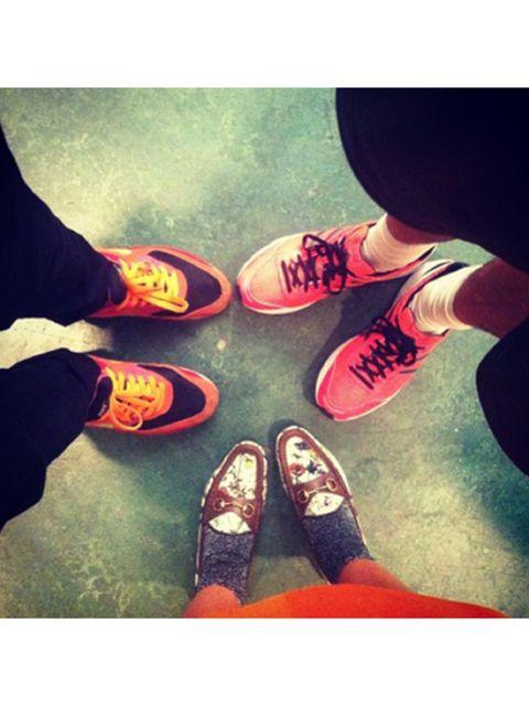 Footwear, Human, Leg, Shoe, Human leg, Joint, People in nature, Street fashion, Fashion, Cool,