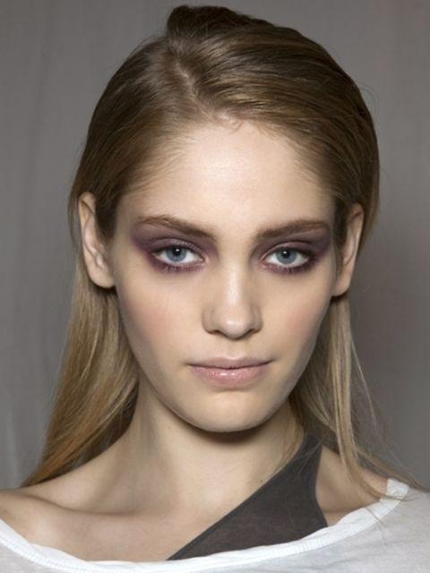 Hair, Lip, Cheek, Hairstyle, Skin, Eye, Chin, Forehead, Eyelash, Shoulder,