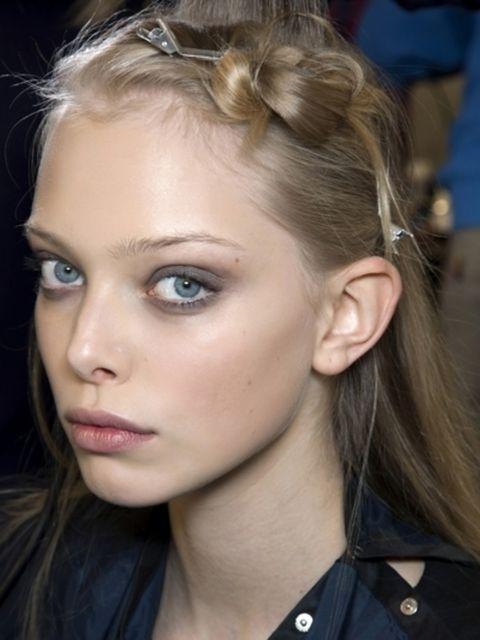 Nose, Ear, Lip, Mouth, Hairstyle, Eye, Chin, Forehead, Eyebrow, Eyelash,