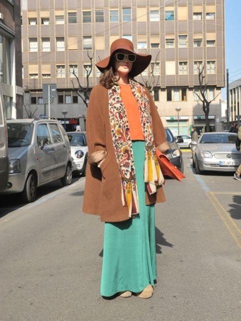 Eyewear, Hat, Land vehicle, Sunglasses, Bag, Fashion accessory, Sun hat, Street fashion, Luggage and bags, Beige,