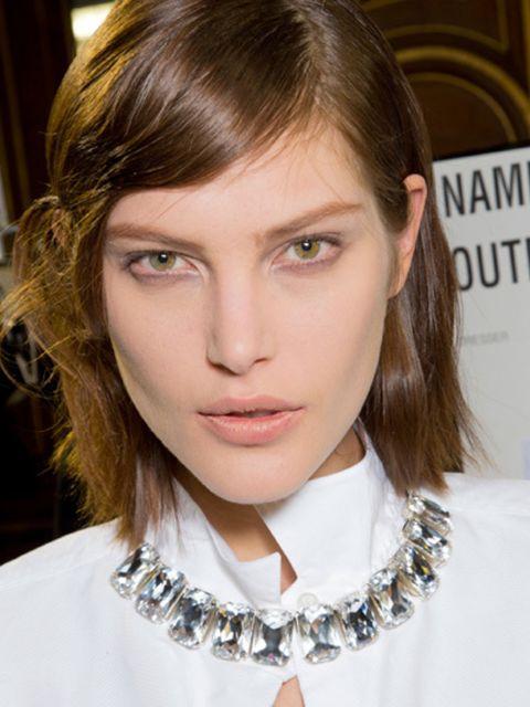 Lip, Hairstyle, Eye, Collar, Chin, Forehead, Eyebrow, Eyelash, Style, Jaw,
